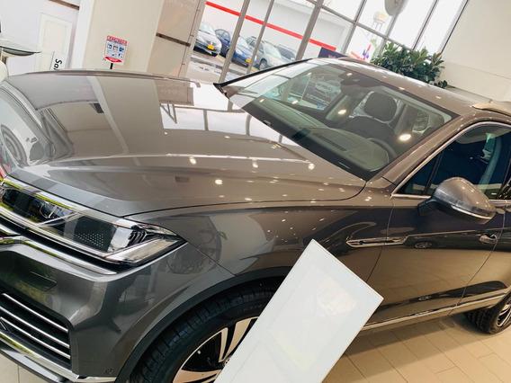 Volkswagen Tuoareg Luxury 3.0tsi 8 At