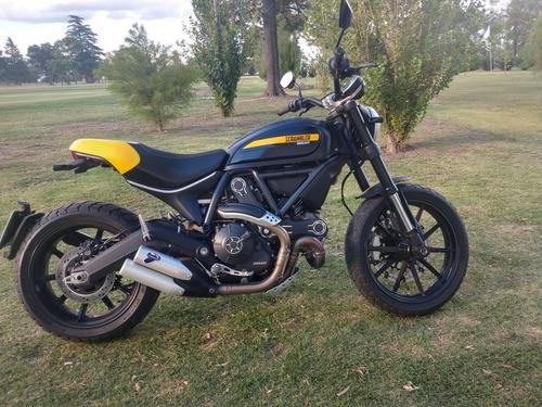 Ducati Scrambler Full Throt