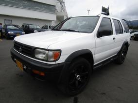 Nissan Pathfinder Mt 3300cc 4x4