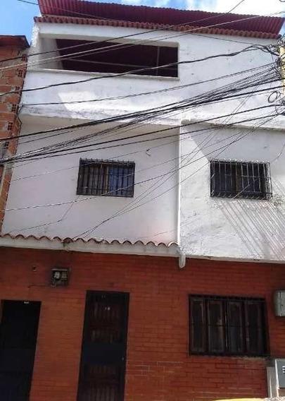 Excelente Casa Multifamiliar En Catia
