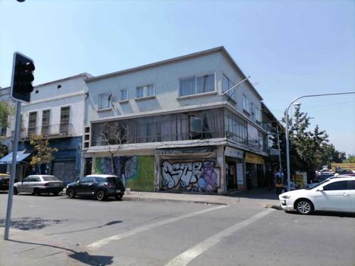 Vendo Locales Comerciales Con Deptos, Sector 10 De Julio.