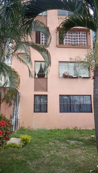 Apartamento En Los Guayos