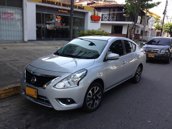 Nissan Versa Advance, Automatico