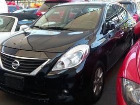 Nissan Versa 1.6 Advance At Sedán