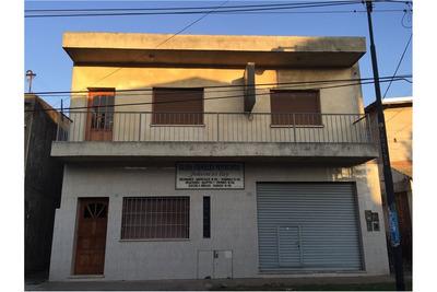 Casa En Venta A Reciclar-local,depósitos/oficina