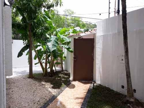 Renta Casa En Cancun, Zona Exclusiva, Hermosa, Impecable!!!