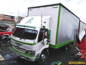 Hino 300 Camión Furgón