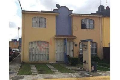Casa En Venta En Condominio Campo Real, Toluca