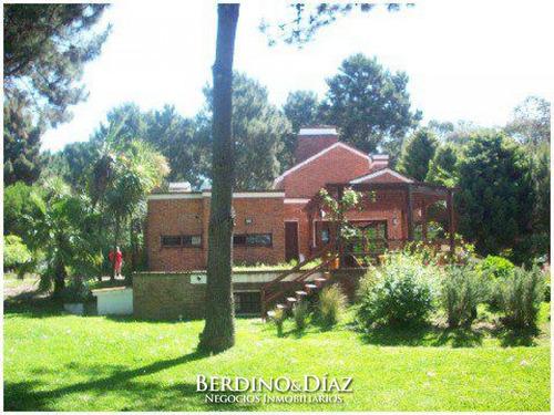 Hermosa Casa Con Excelente Entorno Ubicada En  Pleno Corazón De Rincón Del Indio- Ref: 56