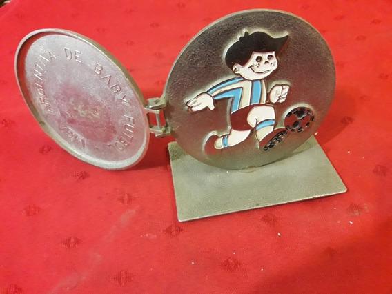 Antiguo Trofeo Liga Arg De Baby Fútbol. .
