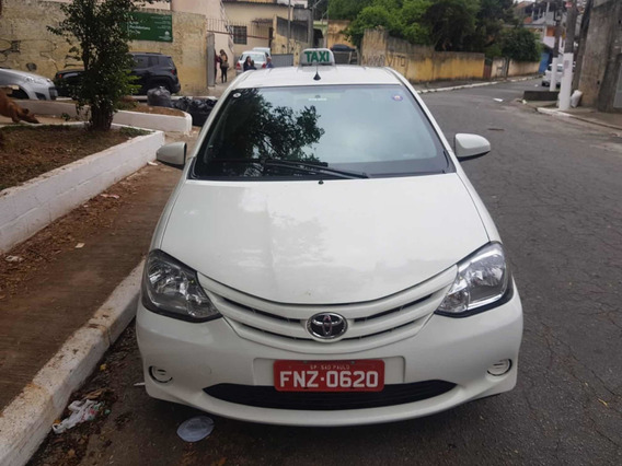 Toyota Etios Sedán Xs