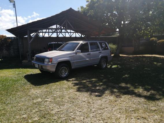 Jeep Cherokee Límited V8