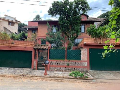 Casa Em Teresópolis Com 4 Dormitórios - Bt11085