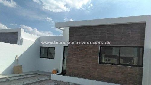 Casa Abril En Venta En Fracc. Zibatá, El Marqués, Querétaro