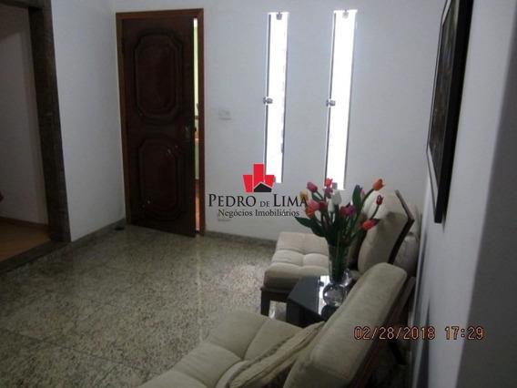 Casa Térrea Com 3 Dormitórios Sendo 1 Suíte E 2 Vagas Cobertas, Em Ponte Rasa. - Pe29489