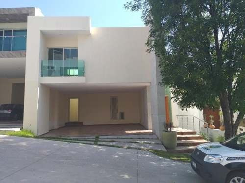 Casa Sola En Venta Fracc El Pedregal
