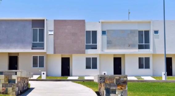 Casa En Renta De 3 Recámaras Y 3 Baños Completos En Zakia