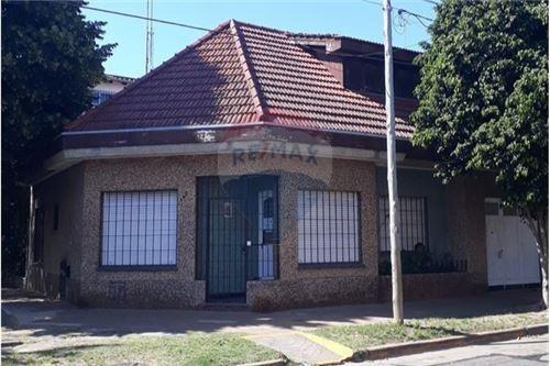 Casa Venta 4 Amb Patio Garage Lote 11*17 Esquina