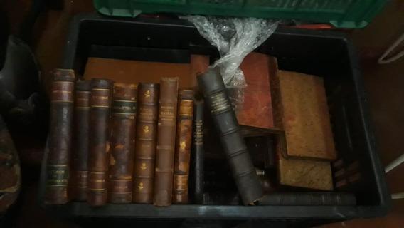 Lote Com 80 Livros Antigos Com Lóbulo Em Couro
