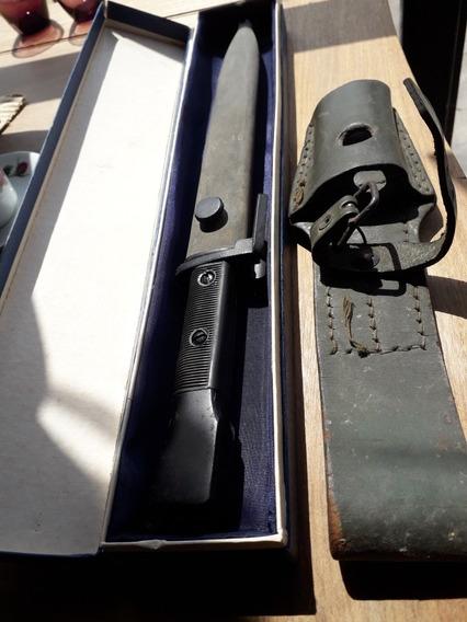 Bayoneta Antigua Fal En Caja