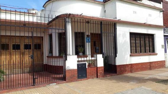 Excelente Casa En Bernal, Buena Ubicacion.