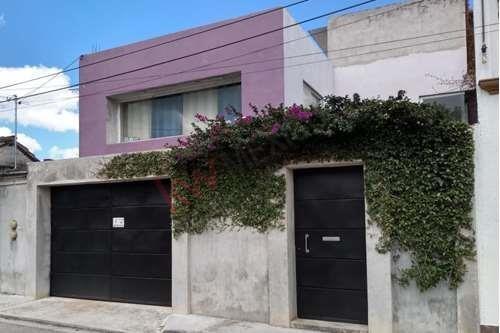 Se Renta Casa Grande Con Amplio Jardín En Barrio De Fatima
