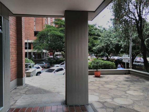 Oficina En Arriendo Y Venta En Suramericana