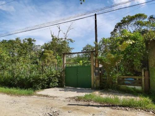 Chácara No Litoral Sul, Com 03 Dormitórios Em Itanhaém Ch056