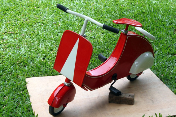 Pedal Car Lambretinha Antiga