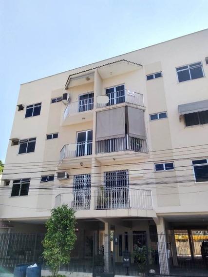 Centro/nova Iguaçu. Apartamento 2 Quartos, Sala, Cozinha, 2 Banheiros E Garagem. - Ap00249 - 33482420