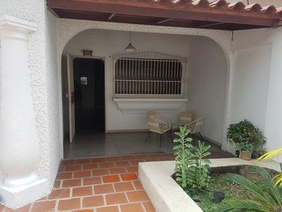 Bella Casa En La Urb. Araguaney En Los Guayos