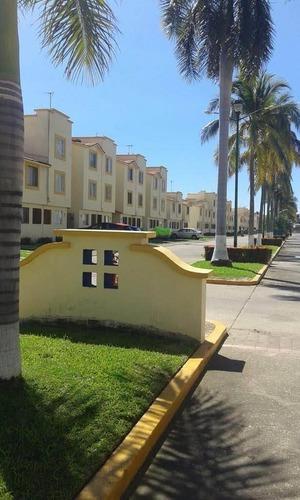 Casa En Venta En Acapulco, Zona Diamante, Blvd. De Las Naciones