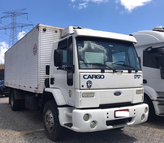 Ford Cargo 1717 Baú Refrigerado