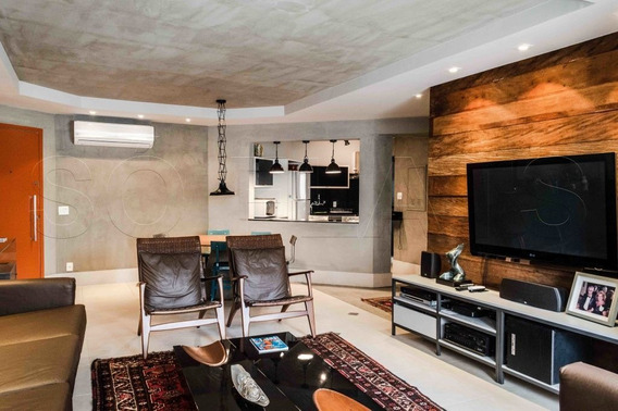 Flat Alto Padrão Em Moema, Mobiliado E Equipado, Com 03 Dorms. Ótimo Empreendimento E Localização - Sf27715