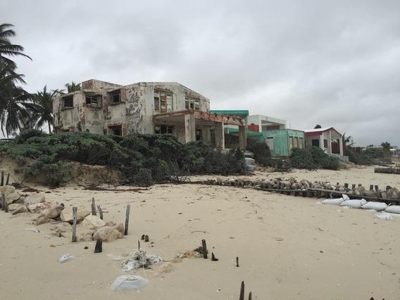 Terreno En Playa Chuburna En Venta En Primera Fila