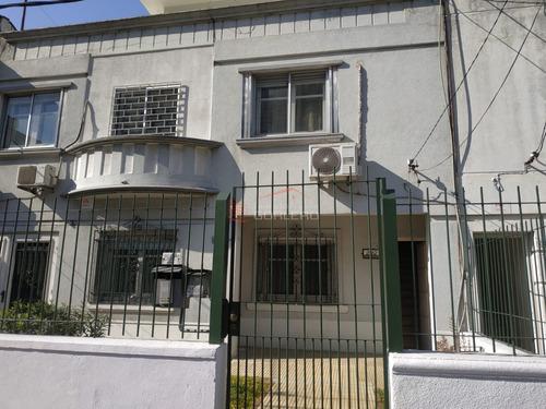Venta De Apartamento En Ph Montevideo, Parque Batlle, Excelente Ubicación, 3 Dormitorios- Ref: 26638