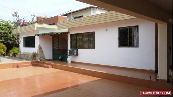 Casas En Venta Cumana. Calle Bolivar