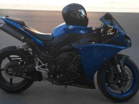 Yamaha R-1 2010, Color Azul Metálico.