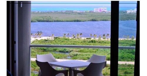 Hermoso Departartamento En Malecón En Cancún C2519