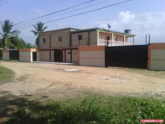 Casas En Venta Tucacas 04128845435