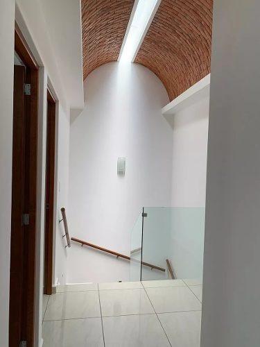 Hermosa Casa, El Refugio, Boveda Catalana, Frente Al Parque