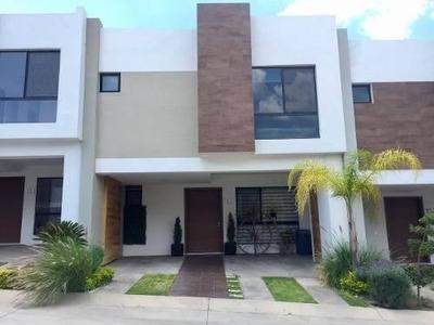 Casa En Renta En Sendas Residencial