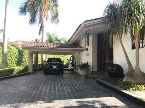 Casa En Venta, Renta En Club De Golf Santa Anita, Tlajomulco