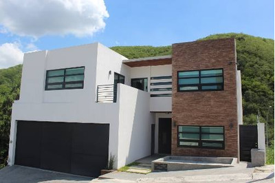 Casa En Venta En Colonia Carolco, Monterrey, Nuevo León