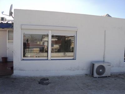P719. Se Alquila Casa Todo El Año 1 Cuadra De La Playa