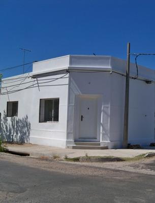 Casa Chica Recientemente Reciclada En Muy Buen Estado