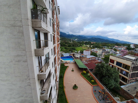 Apartamento En El Centro Con Excelente Vista