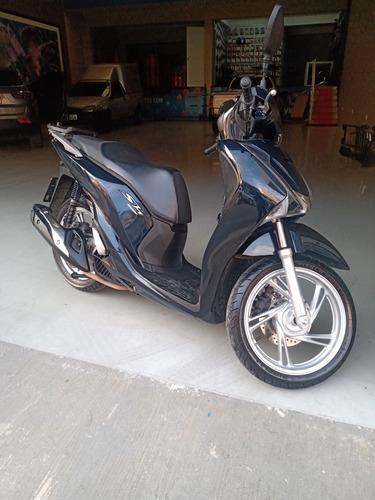Imagem 1 de 5 de Honda Sh150i