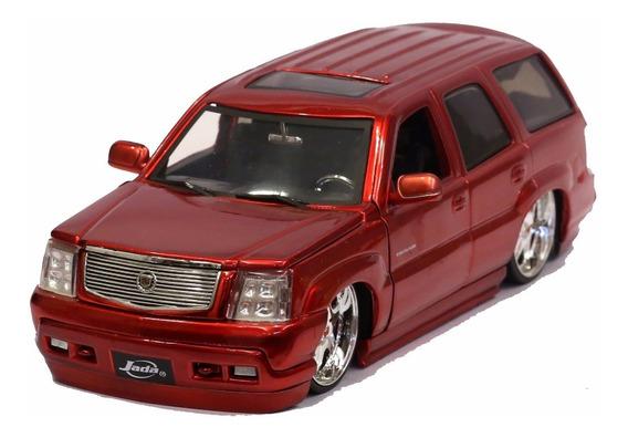 Miniatura Cadillac Escalade 2002 Custom Vermelho Jada 1/24