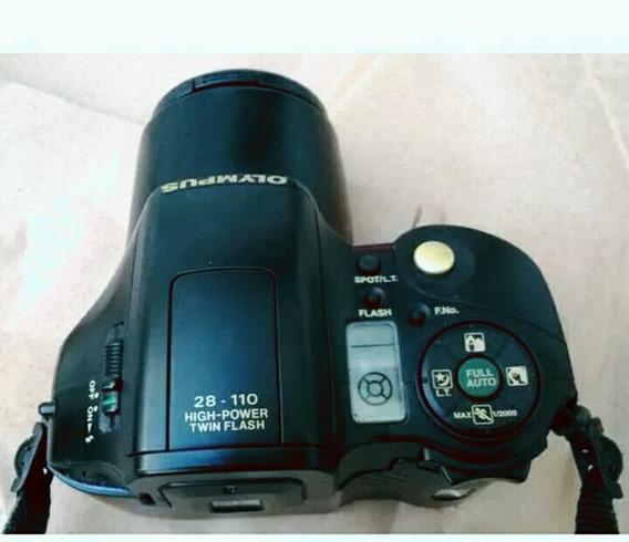 Câmera Olympus Super Conservada